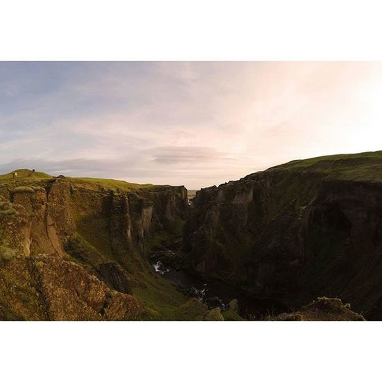 Hey guys, for more shots follow my new page on facebook: Point of interest (https://www.facebook.com/Pointofinterestfilippo) 💪💪 ! Stay tuned // Iceland Redlight Sunset Natureporn Green Iceland Pure Wonderful Amazing Perfect Sky Gopro Goprophotograpy Natgeo Style Pointofinterest Beautifulplace Style Photography