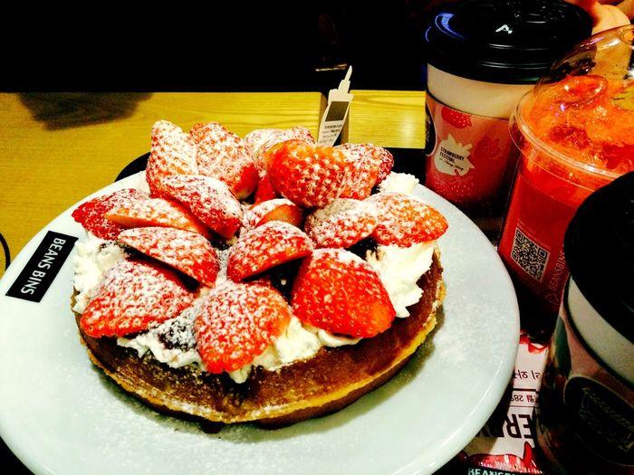 Icheon Yammy :) Strawberry 희명언니 유경언니