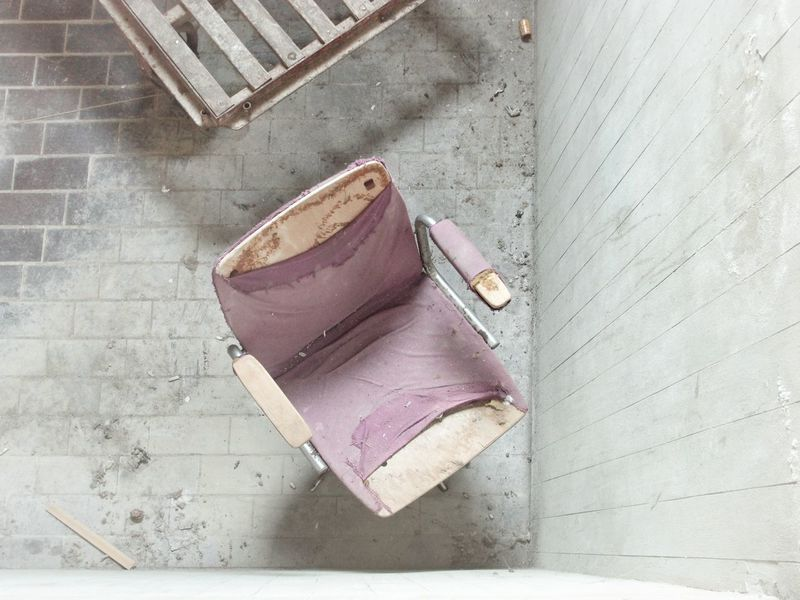 | Abandoned | I Luoghi Dell'abbandono Architecture Abandoned Places Broken Chair High Angle View Close-up Building The Still Life Photographer - 2018 EyeEm Awards The Architect - 2018 EyeEm Awards The Traveler - 2018 EyeEm Awards The Creative - 2018 EyeEm Awards Creative Space