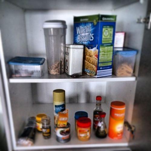 Empty food cupboardFoodshop Livingbasic