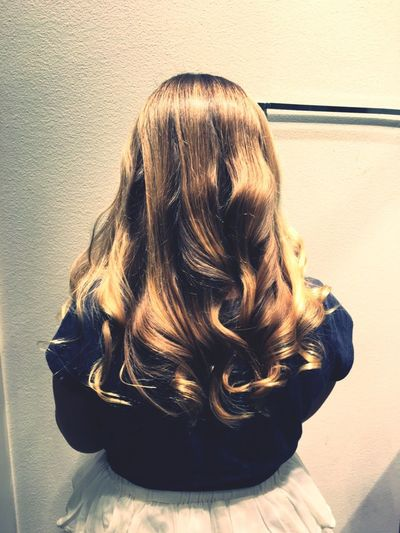 Headshot Real People One Person Blond Hair Curly Hair Hairstyle Hairdresser Girl Beautiful Hair Nice Cut Eyeem Hair EyeEm Gallery Human Hair Hair Style Hairsalon