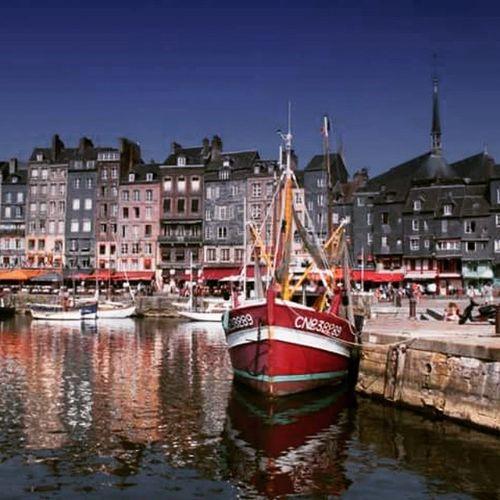 Honfleur Francia France Normandiaincamper Normandia  Normandie Normandiaontheroad Viaggincamper Viaggiareconibambini Travel LoveTravel