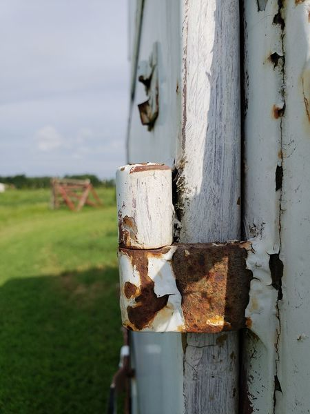 Horse Trailer Lift Door Hinge Door Hinge Horse Trailer Metal Ranch Life EyeEm Selects Close-up Sky Rusty Nut - Fastener Hinge Latch