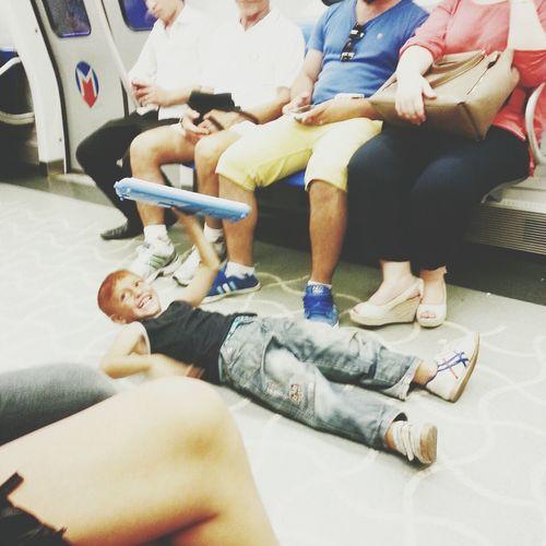 işte bu yüzden metro .) Metro