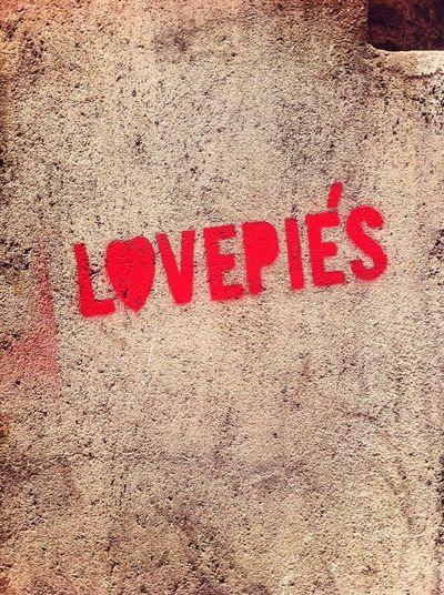 Streetphotography Graffiti Love Lavapies
