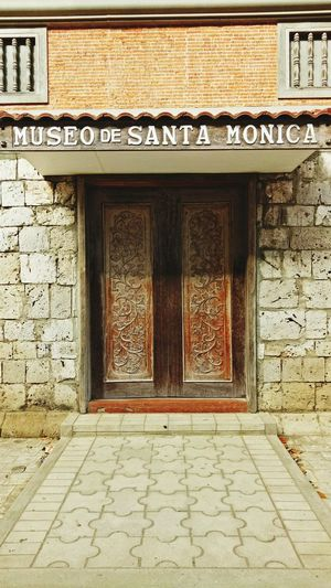 Built Structure Door No People Architecture Textured  EyeEmNewHere Old Buildings Building Exterior Entrance Outdoors Day Politics And Government
