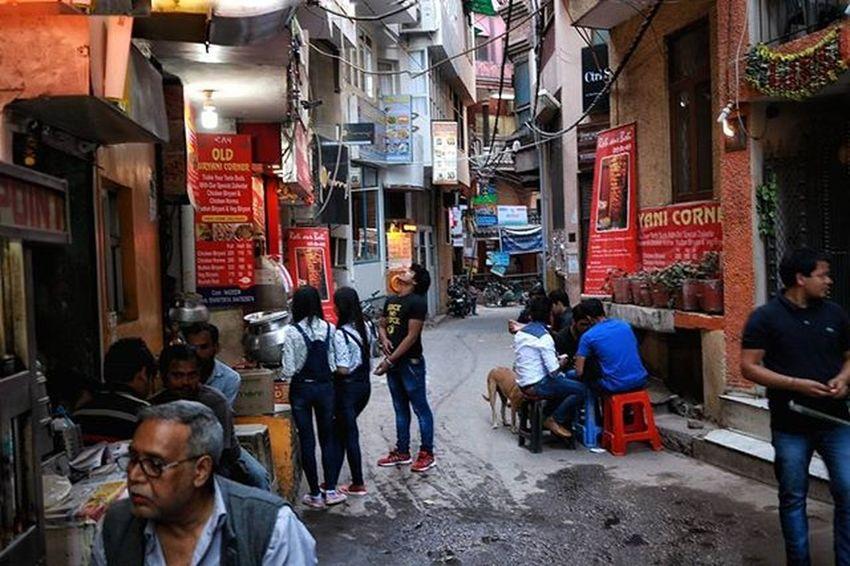 chill out place. . . . . . . . . . . . Delhite Delhi_igers Sodelhi Hkv Hauzkhas DelhiGram Delhi6 Photographersofdelhi India Hipster Street Streetphotography Streetphotographyindia India Indiaclicks Indianphotography Photographers_of_india Colours