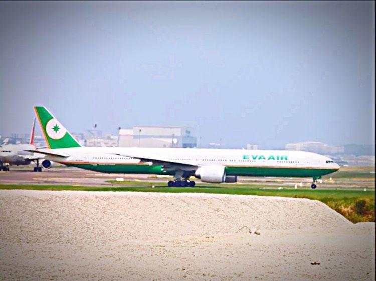 EVA air B777-300ER B16705