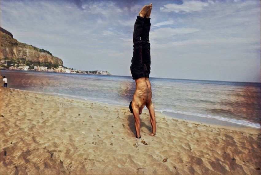 Beach Sea Sand Nature One Man Only One Person Water Day Only Men Adult Outdoors Adults Only Exercising Men People Full Length Handstand  Human Body Part Flexibility Sky Handstand  Handstand ♥  Handstandeveryday Handstandseverywhere Handstand.and Nature