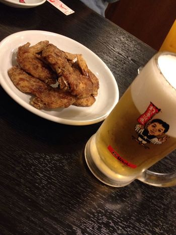 Beer with Chicken Wings sooooo Spicy ;)