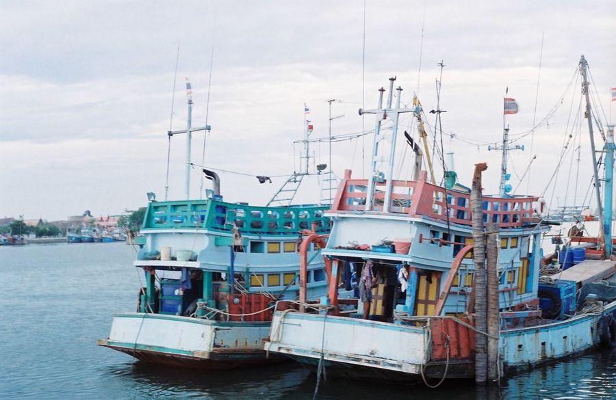 Fishing Boat. Pentax K1000 K1000 Pentax Film Filmcamera Waterfront Sea Mode Of Transport Kodak Colorplus200Kodak Colorplus200 Thailand