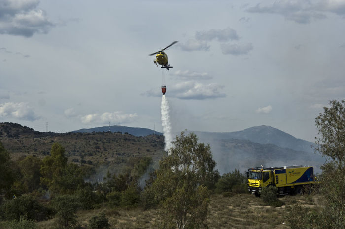 Fire Natur Nature Landscape Mountain Landscapes Scenic Helicopter Helicopter Fire Tranportation