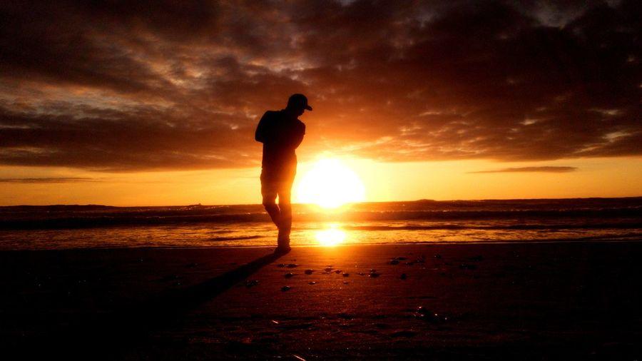 Raybert + sun = me person People Nofilter Ocean Wave Star - Space Sunset IdRAJAnotEdit Still Life Sea Sunset Beach Water Full Length Silhouette Child Standing Sky Horizon Over Water Dramatic Sky Romantic Sky Sunbeam Sun Shore Calm