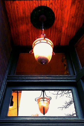 A light. Light Lighting Light Fixture Lookingup Hanging From The Ceiling Light And Shadow No People Old Vintage Getting Creative Getting Inspired Taking Photos Street Photography Urban City Life Cityscapes Minnesota Minnesota💙 Saint Paul Beautiful Old Buildings Outside Obscure Metal Saint Paul Minnesota