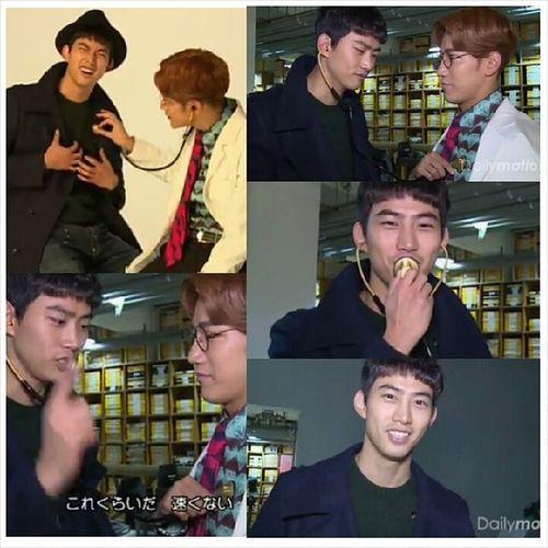 """เบื้องหน้า oppa เป็นคนไข้.. เบื้องหลัง he เปลี่ยนมาเป็นคุณหมอ.. Ahhh --"""" ร้องเพลงเหมือนเดิมดีกว่านะ! 555555 Taec_cool Taecyeon Jun_k 2pm"""