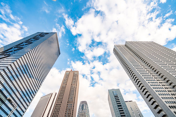 Architecture Built Structure Building Exterior City Office Building Exterior Skyscraper Low Angle View Building Sky Tall - High Cloud - Sky Office Tower Modern Day No People Nature Travel Destinations Financial District  Outdoors Directly Below