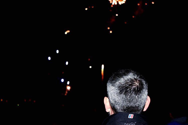Flash[y]   Taking Photos Bonfire Eye4photography  People Watching Night Fireworks Outdoors People Urbanphotography Streetphoto_color Malephotographerofthemonth Getting Creative Urban Landscape Nightphotography