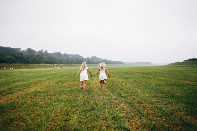 Best friends EyeEmNewHere Landscape Field Grass Land Environment Sky Nature Togetherness Beauty In Nature Two People Day Outdoors Women Positive Emotion Friendship Girlfirends Girls Bestfriend EyeEmNewHere