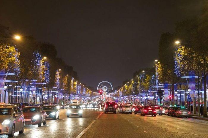 Paris Nuit Champselysées Noël
