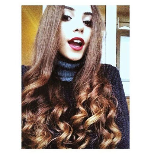 Hi! Curly Hair! Redlipstick