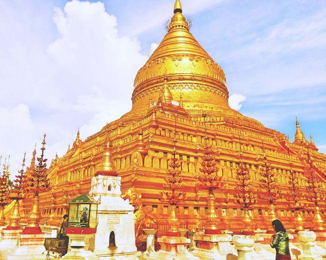 Shwezigon Pagoda in Bagan Myanmar Gold Pakoda Temple Blue Sky Buddhist Temple Buddha Beautiful EyeEm EyeEm Gallery Trip Photo Hello World Taking Photos ASIA Amazing Check This Out Wonderful Highlights Piety Asian Culture Slow Life Tanaka