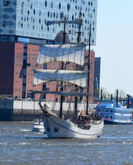 Hamburg Germany Hafengeburtstag Spring Photography Outdoors Check This Out Boat Elbe River Elbe Hello World Beautiful Place Elbphilharmonie River 2016 EyeEm Best Shots EyeEm Gallery Share Your Adventure On The Way