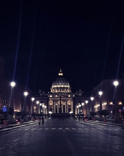 EyeEm Best Shots EyeEm Nature Lover Roma Rome Photography StPetersBasilica Stpeter Basilica Beautiful Artistic Light And Shadow Seetheworld  Travel Destinations Travel Photography Vatican VaticanCity Vaticano Nightphotography Night City Cityscape Illuminated City Life City Gate Architecture Sky Building Exterior Built Structure Historic Destinations