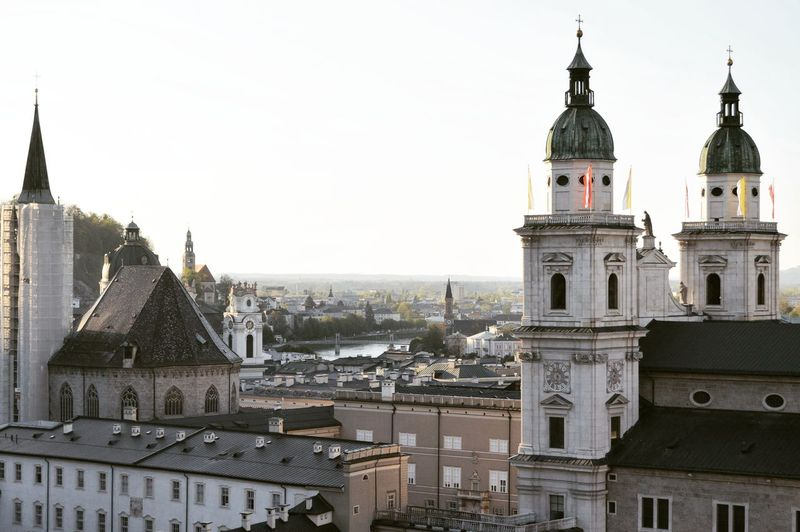 Salzburg Clock Face Cityscape City Place Of Worship History Architecture Building Exterior Sky Built Structure Bell Tower - Tower Clock Tower Doges Palace City Of Westminster Parliament Building Double-decker Bus Astronomical Clock British Culture Tower Houses Of Parliament - London Housing Settlement Steeple Roof Rooftop Clock Church Roman Numeral TOWNSCAPE Bell Tower Gothic Style Bell