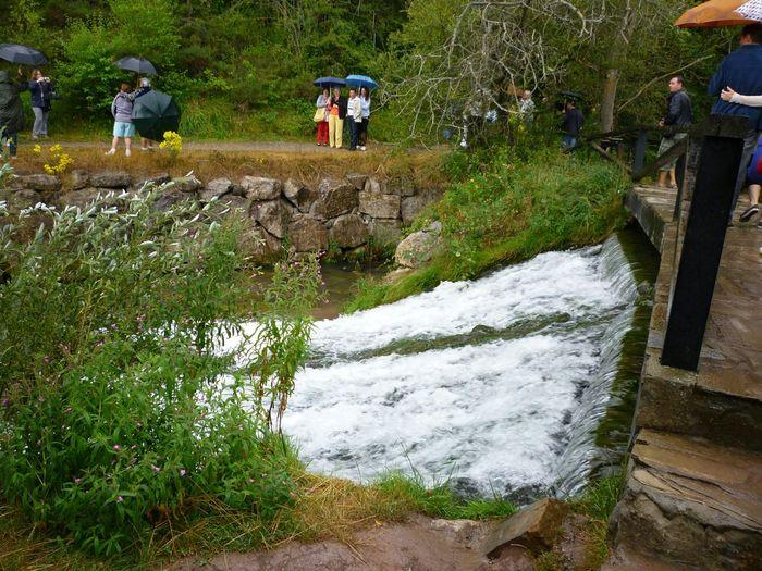 Una Cascada en el Rio Ebro donde NaCe en Fontibre