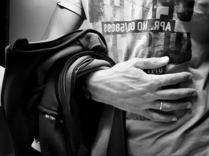 Man People B&w Photo Street Photography B&w Street Samsung Galaxy S5 Streetphoto_bw Monochrome Mobile Photography People_bw People Close Up Close Street Photography