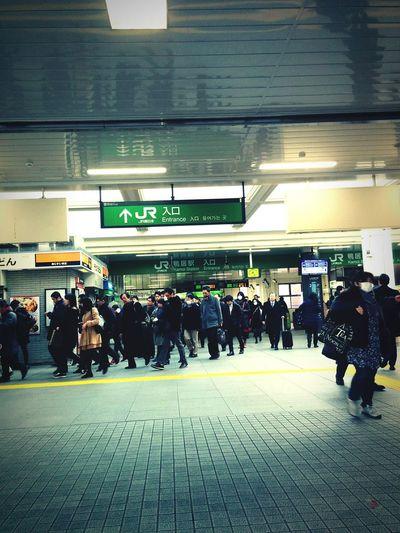 早くて通勤しましたので駅で休暇します。😎😎😎