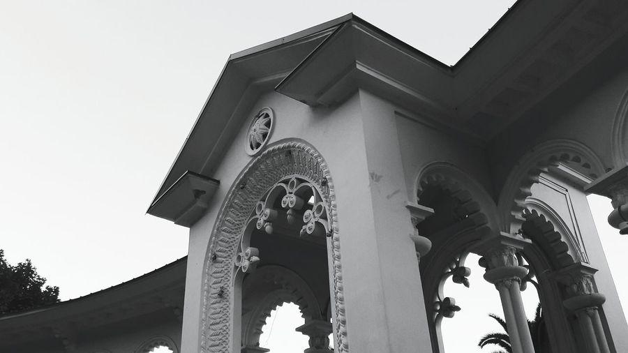 ▫◾◽ Black And White Architecture