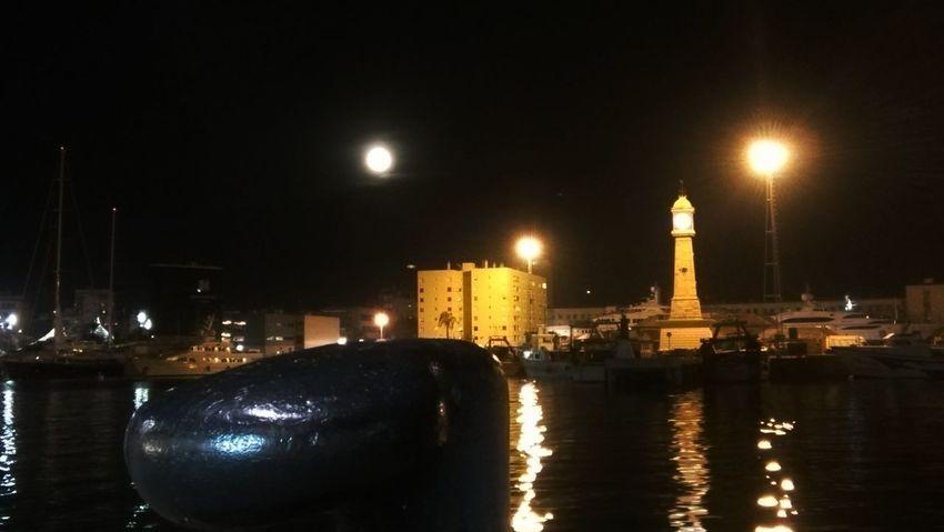 Barcelona la nuit. No me puedo quejar de compañia, con otra seria lo más AMPt_community AMPt - My Perspective Nightphotography Eye4photography