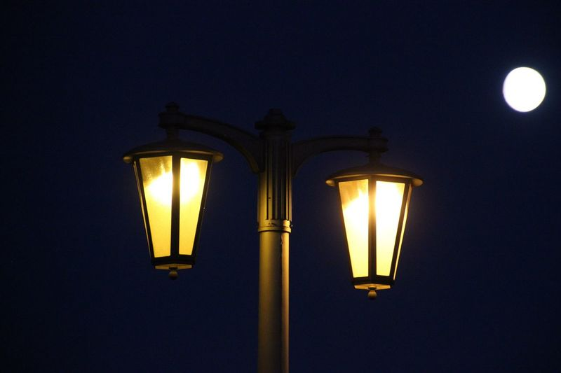 Nightlife No People Street Light Illuminated Glowing Night Electric Light Dark Light And Shadow Romantic Lighting Equipment Electricity  Low Angle View Close-up High Section Light - Natural Phenomenon Dusk Lit Sky Outdoors Discover Berlin