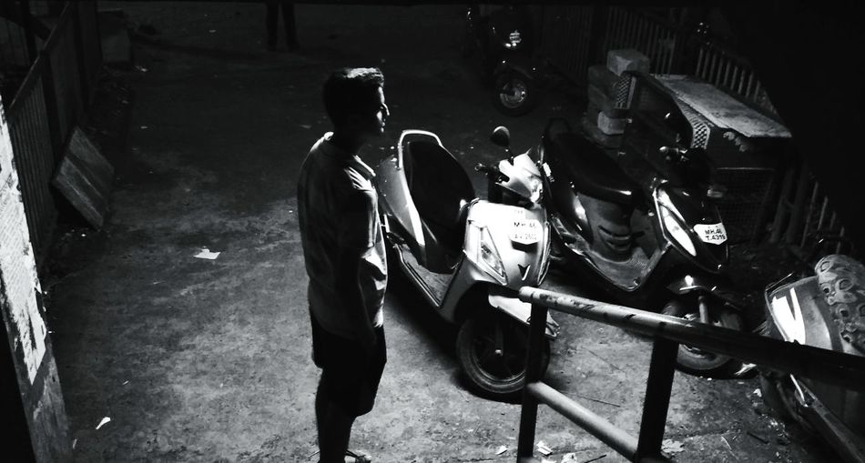noir Nightphotography Night Real People Noir Et Blanc Noir Awesome_shots Awesome Only Men Adults Only People Adult Real People Two People Occupation Indoors  Men Metal Industry Young Adult