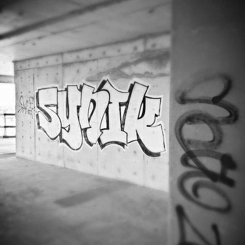 Synik. ------------------------------------ EyeRiseUpx Photography Samsung Stillz Graff Graffiti Bando Art Blah Black White Cooling  Steeze HASHTAG Whatever Like Blah