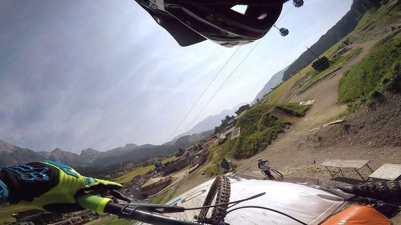 Fly Hanging Out Hello World Taking Photos Enjoying Life Hi! Check This Out That's Me Cheese! Relaxing Gopro Downhillskateboarding Österreich Biken Freeride Downhill/ Freeride Bikepark First Eyeem Photo Relaxing Cheese!
