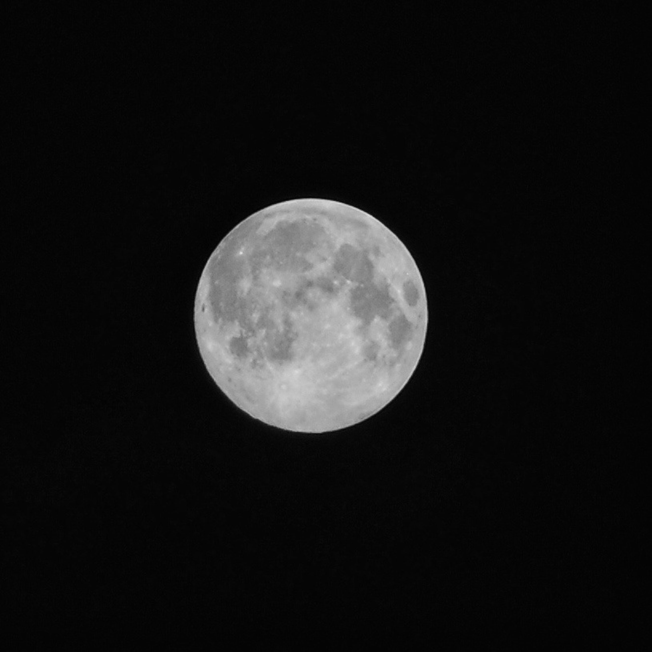 moon, astronomy, full moon, planetary moon, night, moon surface, circle, beauty in nature, low angle view, discovery, sphere, tranquility, space exploration, tranquil scene, scenics, nature, copy space, sky, majestic, dark