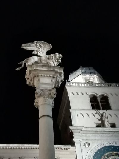 """Viva el Lion!"" Veneto Padova Padua City Ancient Civilization Statue Architectural Column Dome Sculpture History Old Ruin Sky Architecture"