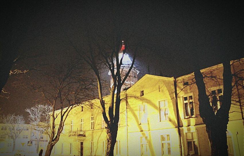 Jeszczebedzieprzepieknie Jeszczebedzienormalnie Szkola Wspomnienia 💕💕💕💞💞💓 nigdy nie lubiłam tej szkoły ale nocą..jest piękna.