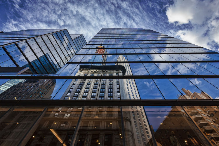 Modern Architecture Midtown Office Buildings Architecture Reflective Architecture Glass Architecture Reflections Perspective Reflection Building Exterior Office Building Exterior