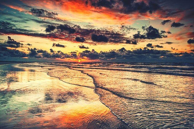 Wonderful atmosphere of the sea )warm Summer Evening))))
