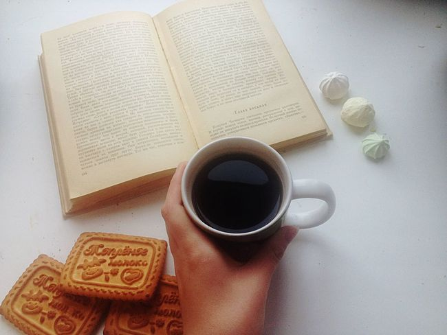 what could be better than in the morning for a cup of tea reading ghost? This beautiful work. Good morning Good #morning Breakfast Dead Souls (null)Gogol