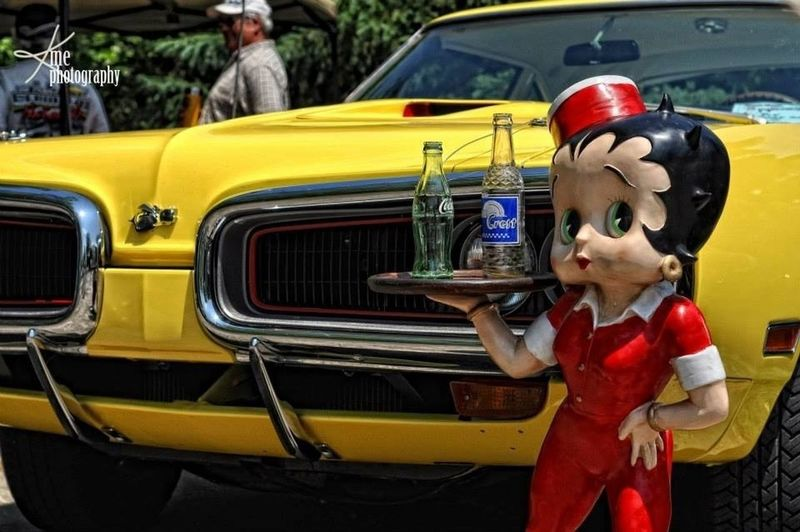 Cool Classic Car Vintage Cars Betty Boop
