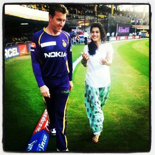 BrettLee & TaapsuPannu chat on the ground. Ipl & PepsiIPL