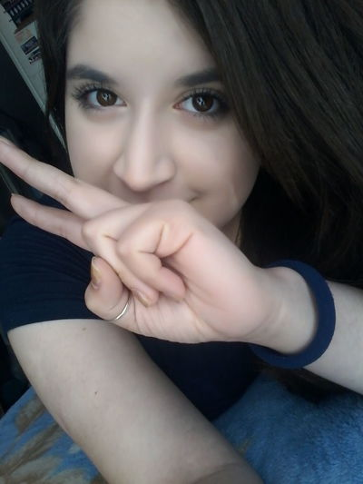 Me Hi!♥ Peace And Love ✌❤ Nice! Cute♡ Getting Inspired Nice Day Followme Selfie ✌ Check This Out Portrait Pretty Girl People Girl Self Portrait Happy People Faces Of EyeEm Fashion Hair Taking Photos Beauty People Photography ♡ Marzo Amor Me Encanta Mexico <3