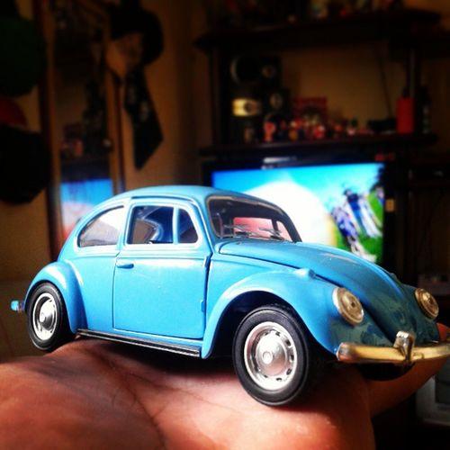 A felicidade em miniatura! *---------* Fiquei apaixonado com esse presente! Fusca Fusquinha VW Love