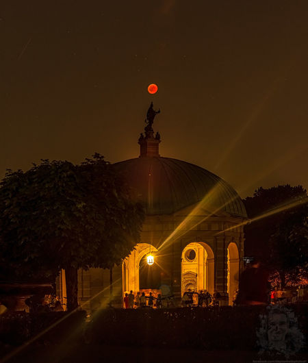 The lunar eclipse 2018 under the Dianatempel in the heart of Munich, the Hofgarten near by the Marienplatz 2018 Year Celebrate Your Ride Hofgarten Arkaden München Lunar Eclipse Moon Munich, Germany München,Germany Nature People Watching Red Tree Architecture Belief Bloodmoon Building Exterior City Dianatemple Illuminated Nature Night Red Color Sky Special Special Moment Travel Destinations