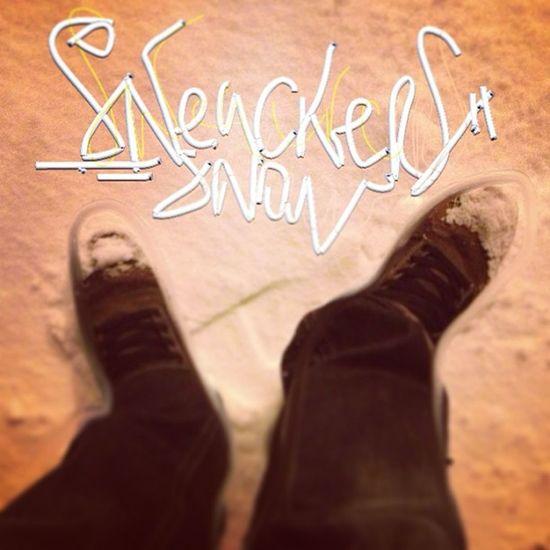 Snow Sneackers Night