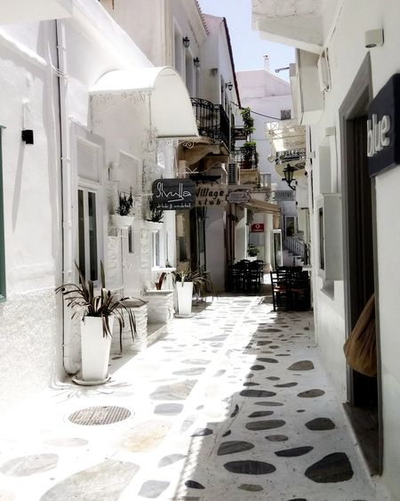 Alley at Tinos Island Tinos Greece Island Alley Summer Sun Village Domestic Room Architecture First Eyeem Photo EyeEmNewHere